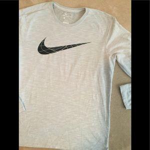 Nike long sleeved tee NWOT gray  dri fit SZ LG